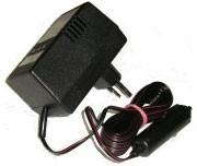 Nabíječka akumulátorů udržovací 6,12V autokonektor 7795 - Dobíječ batérií určený na trvalé připojení k 6V a 12V akumulátoru do kapacity 125Ah. Dobíječ spolehlivě zabraňuje samovybíjení autobaterie při dlouhodobé nečinnosti automobilu. Dodávaný s autokonek