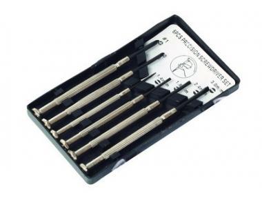 Šroubováky hodinářské sada 6ks, PH + PL - Šroubováky hodinářské sada 6ks, PH + PL v plastovem uzavíratelném pouzdru Rozměry: plochý - 5x100, 6x100, 8x150mm křižový - 1x75, 2x100, 3x150mm Použití: Vhodné na elektroniku a jemnou mechaniku a.j.