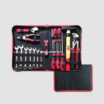 Montážní box na nářadí vybavený 68 dílů - Sada nářadí 18 dílná obsah : 7x klíče kombinované:8-10-11-12-13-14-17mm 5x sada šroubováků PL:5x75 6x100 8x150mm PH:1x80,2x100mm 1x140mm zkoušečka napětí 1x sada imbus klíčů?2-2.5-3-4-5-6mm 1x kladivo 300g 1x siko